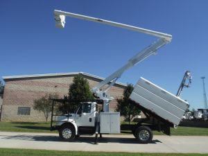 2005 INTERNATIONAL 4300 11 FT SOUTHCO FORESTRY BODY 63 FT WORK HEIGHT ALTEC LRV58 MODEL BOOM