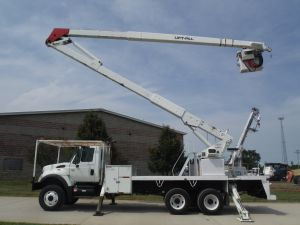 2005 INTERNATIONAL 7400 6X6 20 FT FLATBED 80 FT WORK HEIGHT LIFT-ALL MODEL BOOM