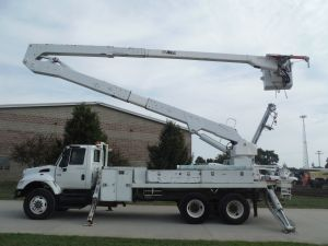 2003 INTERNATIONAL 7400 16 FT FLATBED 82 FT WORK HEIGHT ALTEC A77