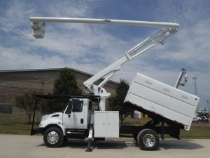 2006 INTERNATIONAL 4300 11 FT SOUTHCO FORESTRY BODY 61 FT WORK HEIGHT LRV56 MODEL BOOM