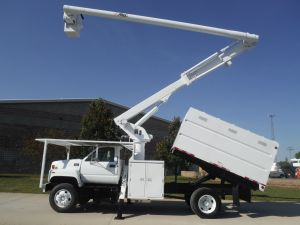 2002 GMC C7500 11 FT. SOUTHCO FORESTRY BODY, 60 FT. WORK HEIGHT ALTEC LRV55 MODEL BOOM