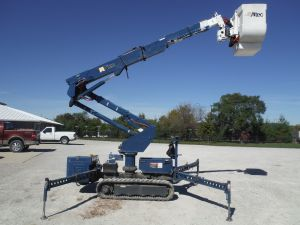 2005 HINOWN PT3000 RUBBER TRAC 42 FT WORK HEIGHT SQUIRT BOOM WITH ALTEC AT37 MODEL BOOM