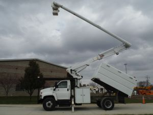 2005 GMC C7500 11 FT SOUTHCO FORESTRY BODY 63 FT WORK HEIGHT ALTEC LRV58 MODEL BOOM