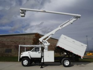 2001 GMC C7500 11 FT SOUTHCO FORESTRY BODY 63 FT WORK HEIGHT ALTEC LRV58 MODEL BOOM