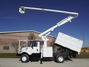 2006 INTERNATIONAL 7300 4X4 11 FT SOUTHCO FORESTRY BODY 63 FT WORK HEIGHT ALTEC LRV58 MODEL BOOM