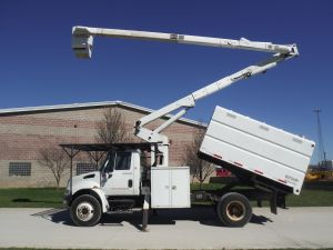 2005 INTERNATIONAL 4300 11 FT SOUTHCO FORESTRY BODY 60 FT WORK HEIGHT TEREX HI-RANGER XT MODEL BOOM