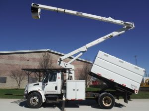 2005 INTERNATIONAL 4300 11 FT SOUTHCO FORESTRY BODY 60 FT TEREX HI-RANGER XT 55 MODEL BOOM