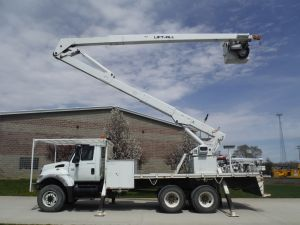 2006 INTERNATIONAL 6X6 16 FT FLATBED 70 FT WORK HEIGHT LIFT-ALL LM-65-2MS MODEL BOOM