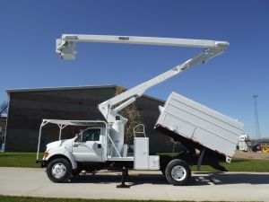 2001 FORD F750 11 FT ARBORTECH FORESTRY BODY 60 FT VERSALIFT VO255 MODEL BOOM