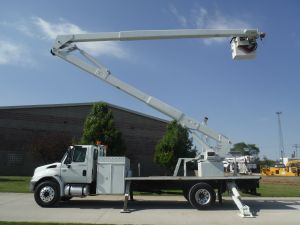 2007 INTERNATIONAL 18 FT FLATBED 75 FT LIFT-ALL LM-70-2MS MODEL BOOM