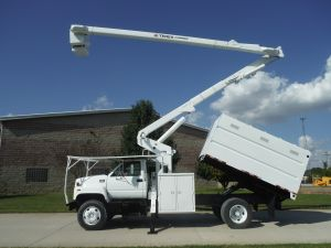 2002 GMC 11 FT SOUTHCO FORESTRY BODY 60 FT WORK HEIGHT TEREX HI-RANGER XT53 MODEL BOOM