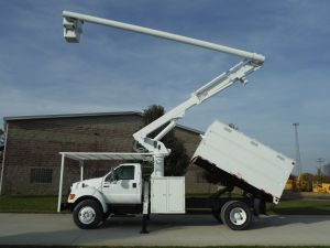 2004 FORD F750 11 FT SOUTHCO FORESTRY BODY 61 FT WORK HEIGHT ALTEC LRV56 MODEL BOOM