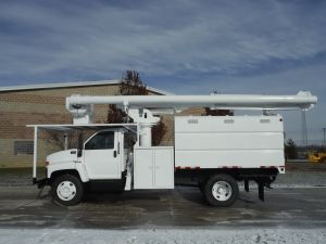 2005 GMC C7500 11 FT SOUTHCO FORESTRY BODY 60 FT. WORK HEIGHT ALTEC LRV 55 MODEL BOOM