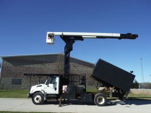 2007  INTERNATIONAL 4300 11 FT ARBORTECH BODY 75 FT LIFT-ALL MODEL BOOM