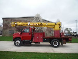 2003 GMC C7500 11 FT FLATBED ALTEC D947T DIGGER DERICK