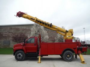 2003 GMC C7500 14 FT UTILITY BODY ALTEC D947TR DIGGER DERICK