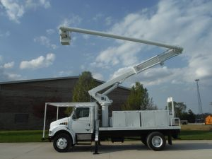 2003 STERLING ACTERRA 14 FT FLATBED 60 FT WORK HEIGHT ALTEC LRV55 MODEL BOOM