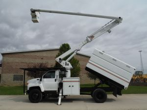 2004 GMC C7500 11 FT SOUTHCO FORESTRY BODY 60 FT WORK HEIGHT ALTEC LRV55 MODEL BOOM