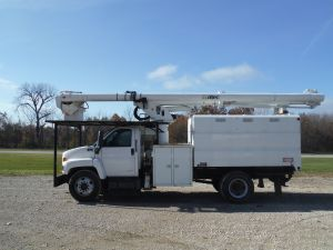 2007 CHEVROLET C6500 11 FT SOUTHCO FORESTRY BODY 61 FT WORK HEIGHT ALTEC LRV56 MODEL BOOM