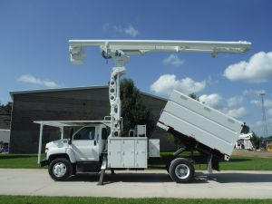 2005 GMC C7500 11 FT SOUTHCO FORESTRY BODY 75 FT WORK HEIGHT ALTEC LRV 60-70 ELEVATOR MODEL BOOM