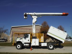 2009 INTERNATIONAL 7300 4X4 10 FT SOUTHCO FORESTRY BODY 75 FT LIFT-ALL LSS60-70-1S MODEL BOOM