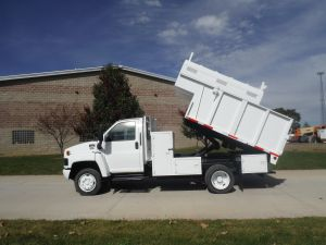 2006 GMC C5500 12 FT ARBORTECH CHIP BODY WITH REMOVABLE TOPS