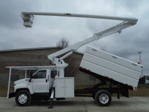 2005 GMC C7500 13 FT SOUTHCO FORESTRY BODY 65 FT WORK HEIGHT ALTEC LRV60 MODEL BOOM - BUCKET TRUCK