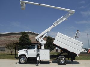2006 GMC C7500 11 FT. SOUTHCO FORESTRY BODY 60 FT. WORK HEIGHT ALTEC LRV55 MODEL BOOM
