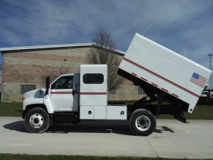 2006 GMC C7500 11 FT CHIP BOX WITH L SHAPE TOOL BOXES