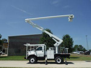 2008 GMC C7500 10 FT FLATBED 62 FT WORK HEIGHT ALTEC LRV57 REAR MOUNT MODEL BOOM