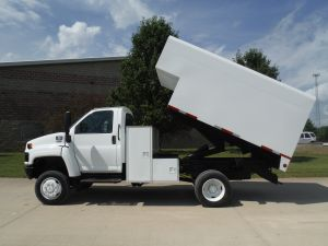 2005 GMC C5500 4X4 12 FT ARBORTECH CHIP BOX