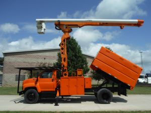 2004 GMC C7500 11 FT SOUTHCO FORESTRY BODY 75 FT WORK HEIGHT ALTEC LRV 60-70 ELEVATOR MODEL BOOM