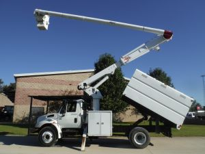 2006 INTERNATIONAL 4300 11 FT SOUTHCO FORESTRY BODY 61 FT ALTEC LRV56 MODEL BOOM