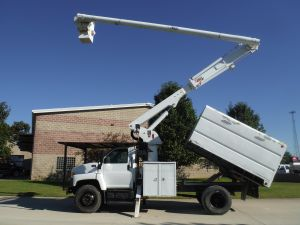 2006 GMC C7500 11 FT SOUTHCO FORESTRY BODY 60 FT WORK HEIGHT ALTEC LRV55