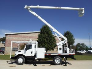 2012 FREIGHTLINER BUSINESS CLASS M2 4X4 12 FT FLATBED 65 FT WORK HEIGHT XT 60 REAR MOUNT MODEL BOOM