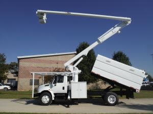 2007 INTERNATIONAL 4300 13 FT SOUTHCO FORESTRY BODY 65 FT WORK HEIGHT ALTEC LRV60 MODEL BOOM