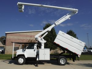 2006 GMC C7500 11 FT SOUTHCO FORESTRY BODY 60 FT. WORK HEIGHT ALTEC LRV55