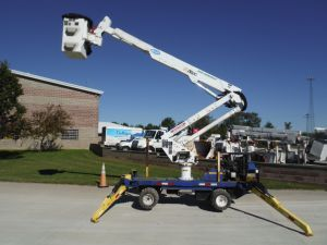 2011 SKYLIFT MINI ARBORIST 42 FT WORK HEIGHT ALTEC AT-37 MODEL BOOM