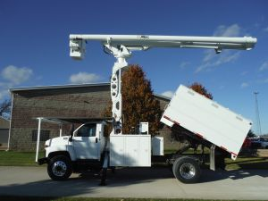 2004 GMC C7500 11FT SOUTHCO FORESTRY BODY 75FT WORK HEIGHT ALTEC LRV 60-70 ELEVATOR MODEL BOOM