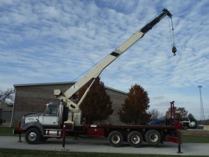 2003 WESTERN STAR 4900 18' FLATBED 103' SHEAVE HEIGHT 30TON 3 SECTION HYDRAULIC NATIONAL 1300H CRANE