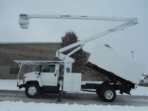 2006 GMC C7500 12' ARBORTECH FORESTRY BODY 65' WORKHEIGHT TEREX HI-RANGE XT-60 MODEL BOOM