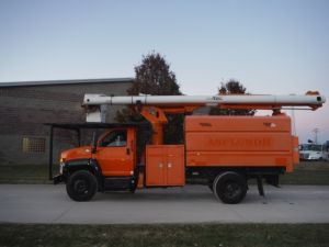2008 GMC C7500 11' SOUTHCO FORESTRY BODY 60' ALTEC LRV 55 MODEL BOOM