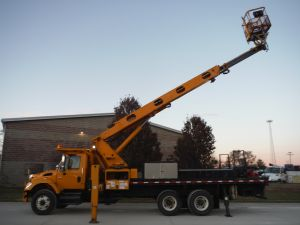 2006 INTERNATIONAL 7400 24' FLATBED 95' WORK HEIGHT ELLIOT H90F-HULS