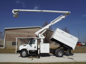 2007 INTERNATIONAL 11' SOUTHCO FORESTRY BODY 61' WORK HEIGHT ALTEC  - BUCKET TRUCK