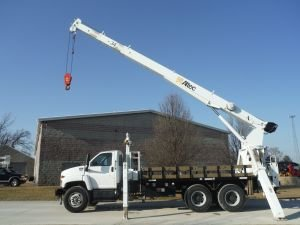 2009 GMC C8500 15' ALTEC FLAT BED 80' SHEAVE HEIGHT ALTEC AC15-70R