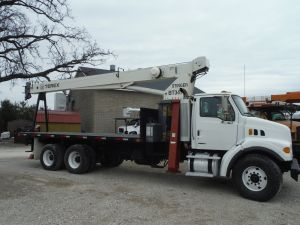 2006 STERLING LT7500 22' FLATBED 80' SHEAVE HEIGHT BOOM