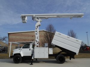 2005 GMC C7500 11' SOUTHCO FORESTRY BODY 75' WORK HEIGHT ALTEC LRV 60-70