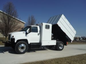 2006 GMC C6500 11' SOUTHCO CHIP BODY