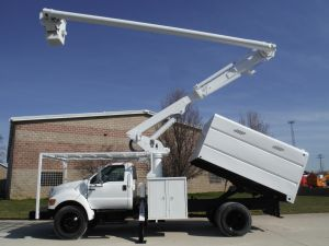 2007 FORD F750 11' ALTEC FORESTRY BODY 60' WORK HEIGHT