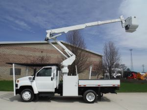 2007 GMC C5500 FLATBED 11' FLATBED 42' WORK  HEIGHT ALTEC AT37 - BUCKET TRUCK
